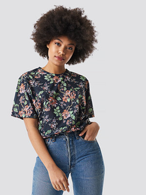 T-shirts - NA-KD Floral Oversized Tee multicolor