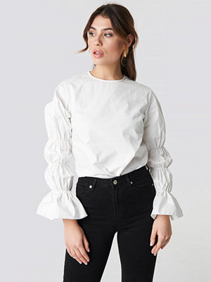 NA-KD Trend Cotton Gathered Sleeve Blouse - Blusar