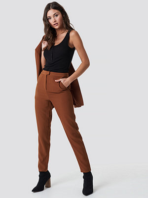 NA-KD Classic bruna byxor Tailored Suit Pants brun