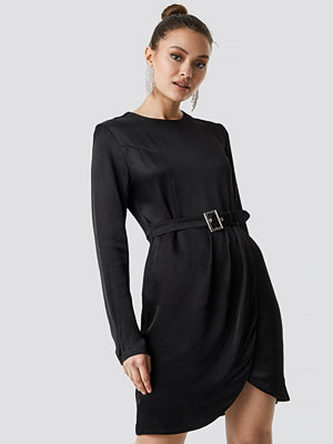 Trendyol Long Sleeve Midi Dress svart