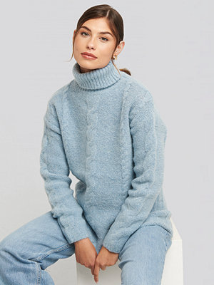 NA-KD Wool Blend Cable Knitted Sweater blå
