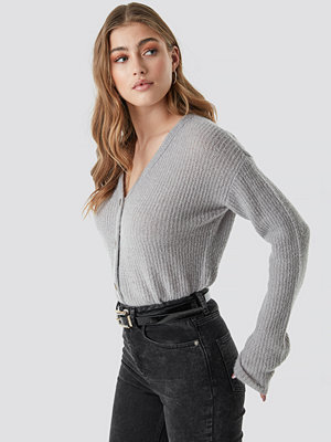 NA-KD Buttoned Knitted Cardigan grå