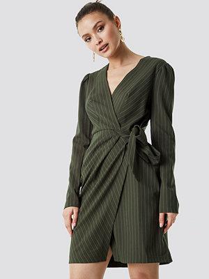 Trendyol Striped Wrapped Midi Dress - Midiklänningar