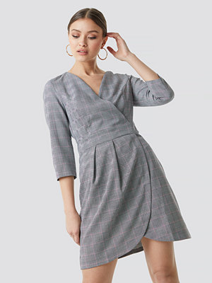 Trendyol Checkered Tofa Dress - Midiklänningar