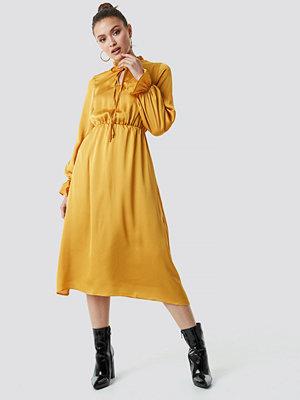 Trendyol Neck Binding Midi Dress - Midiklänningar