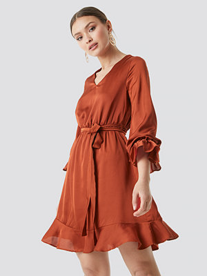 Trendyol Sleeve Frilled Midi Dress orange