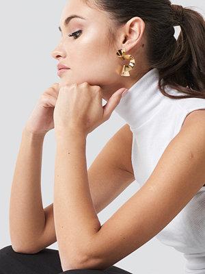 Julia Wieniawa x NA-KD Twisted Earrings - Smycken