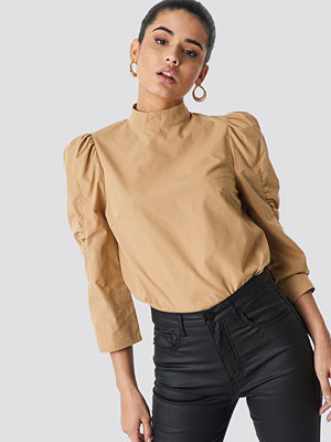 NA-KD Trend High Neck Puff Sleeve Blouse - Blusar