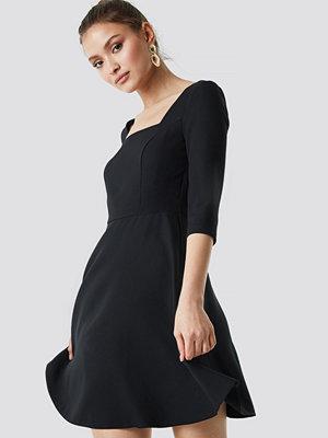 Trendyol Square Collar Dress - Korta klänningar