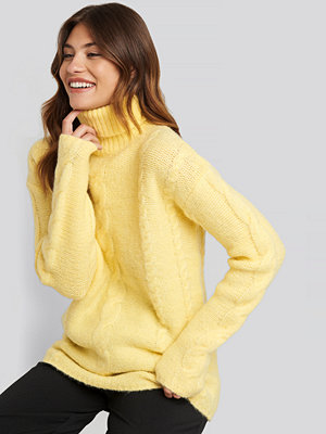 NA-KD Wool Blend Cable Knitted Sweater gul