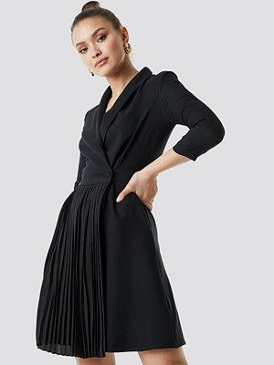 Trendyol Pleat Detailed Mini Dress - Korta klänningar