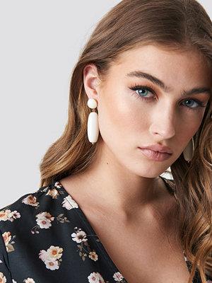NA-KD Accessories smycke Long Drop Earrings vit
