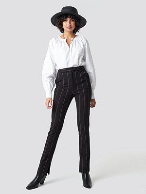 NA-KD Classic svarta randiga byxor High Waist Striped Pants svart