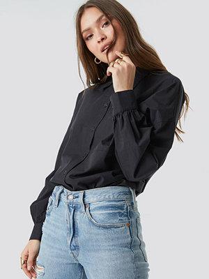 NA-KD Classic Puff Sleeve Shirt svart