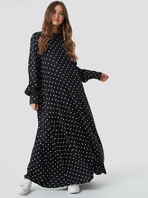 NA-KD Boho Smock Maxi Dress svart