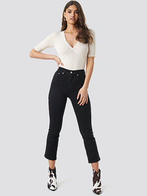 NA-KD Trend Mid Rise Cropped Flared Jeans svart