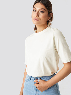 Milena Karl x NA-KD Plain Roundneck T-shirt
