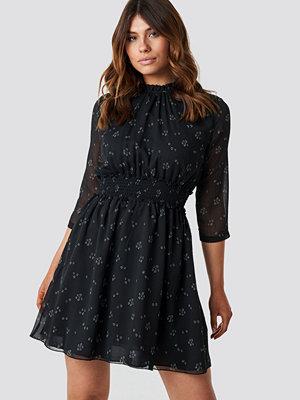 Trendyol Patterned Midi Dress svart