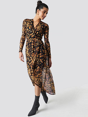 Moves Violana Dress svart orange