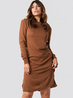 Trendyol Tile Round Neck Midi Dress brun