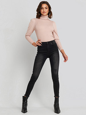 NA-KD Skinny Twisted Jeans svart