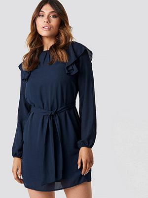 Trendyol Frill Shoulders Mini Dress - Korta klänningar