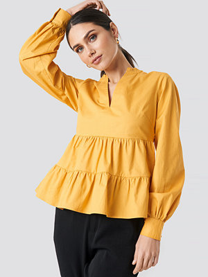 NA-KD Boho V-Neck Volume Sleeve Top gul