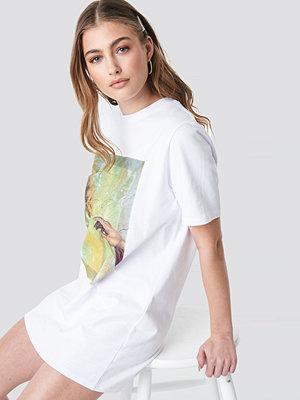 Donnaromina x NA-KD T-shirt Dress vit