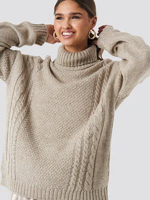 Kae Sutherland x NA-KD Cable Knit Turtleneck Sweater beige