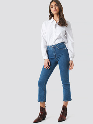 NA-KD Trend Mid Rise Cropped Flared Jeans blå