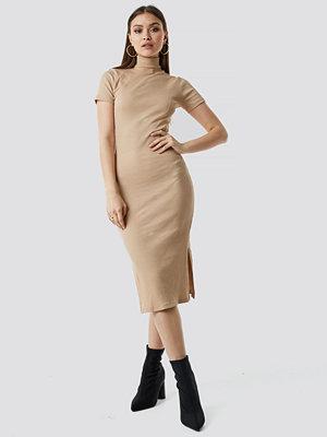 Chloé B x NA-KD Jersey Rib Midi Dress beige