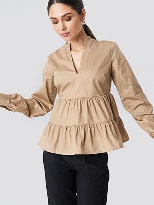 NA-KD Boho V-Neck Volume Sleeve Top beige