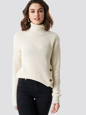 NA-KD Side Buttoned Knitted Sweater vit