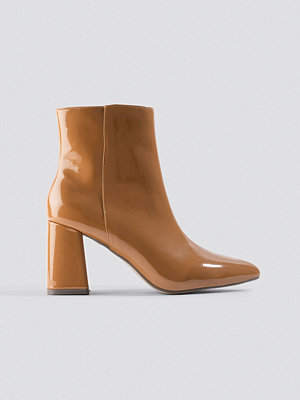 NA-KD Shoes Glossy Patent Boots brun beige
