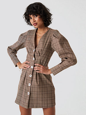 NA-KD Classic Balloon Sleeve Checkered Blazer Dress beige