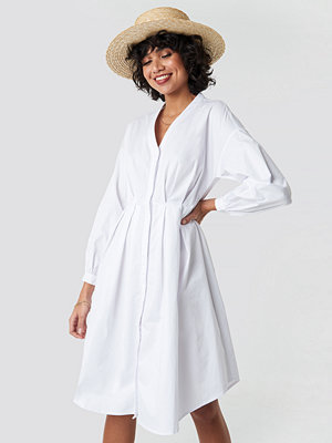 NA-KD Classic Gathered Waist Shirt Dress vit