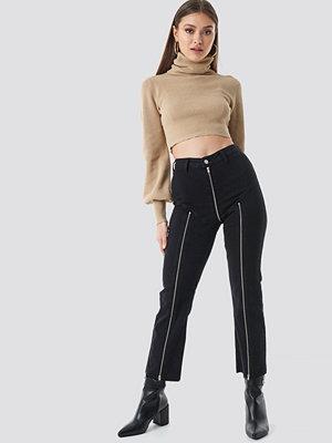 Chloé B x NA-KD Cropped Zipper Jeans svart