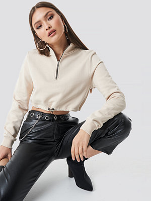Chloé B x NA-KD Cropped Jersey Sweater beige