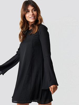 Trendyol Handles Flywheel Mini Dress - Korta klänningar