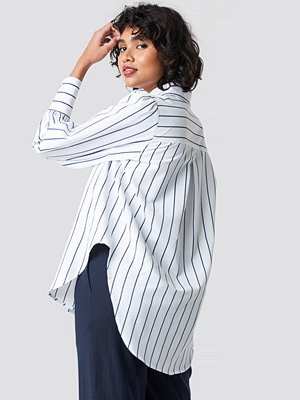 NA-KD Classic High Slit Oversized Striped Shirt vit