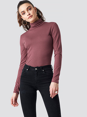 NA-KD Basic Viscose Long Sleeve Polo Top lila