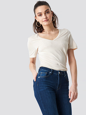 NA-KD Basic Viscose V-neck Tee