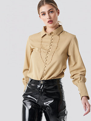 NA-KD Button Detailed Blouse beige