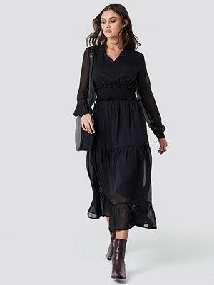 NA-KD Boho Ruffle Details Flowy Midi Dress - Maxiklänningar