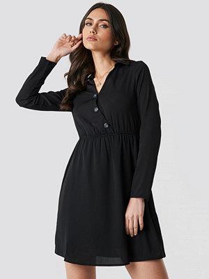 Trendyol Button Detailed Mini Dress svart