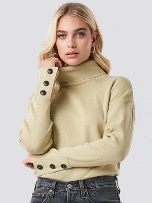 NA-KD Button Sleeve Highneck Sweater beige