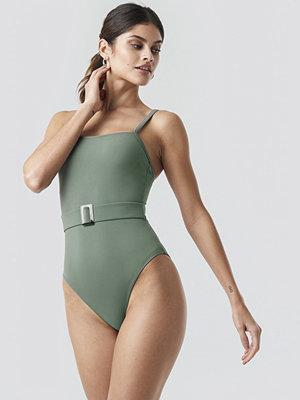 Trendyol Belt Detailed Swimsuit grön