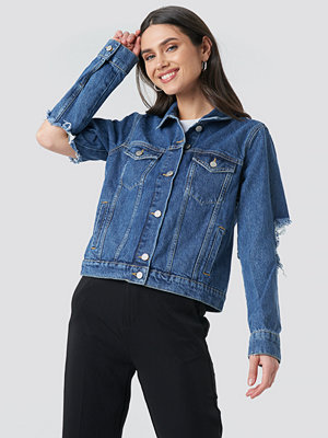 NA-KD Cut Out Sleeve Denim Jacket blå