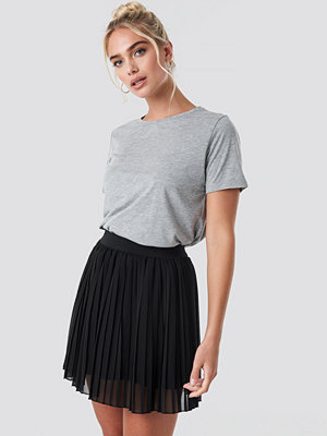 NA-KD Mini Pleated Skirt svart