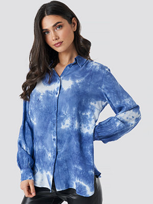 NA-KD Tie Dye Button Up Shirt blå